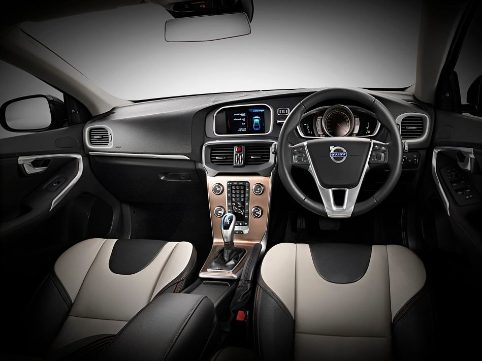 Interior 1 Volvo V40 | Everything Swim Bike and Run and the ...